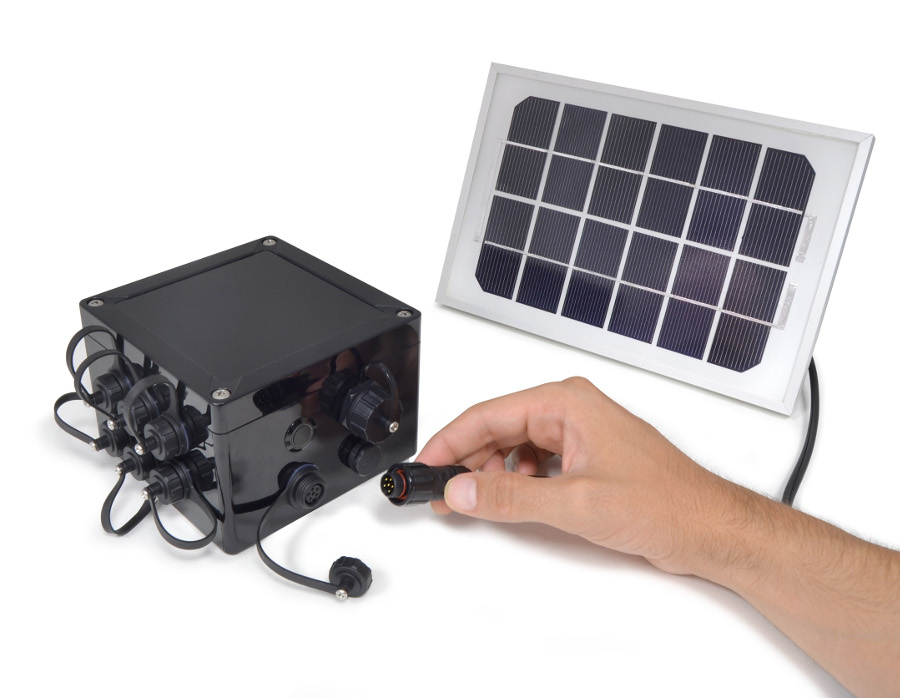 Waspmote can accommodate solar panels that charge the battery to maintain autonomy.