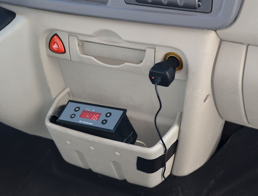 Plug & Sense! charges its battery directly from the vehicle battery