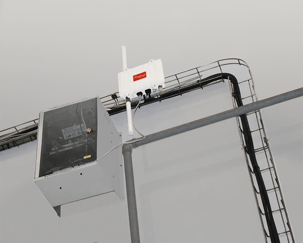 Smart Factory Meshlium gateway communicates with the Cloud