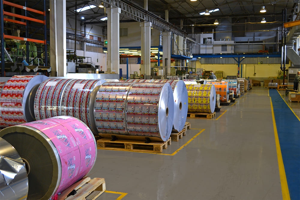 Printed plastic material on huge spools at the Polibol plant