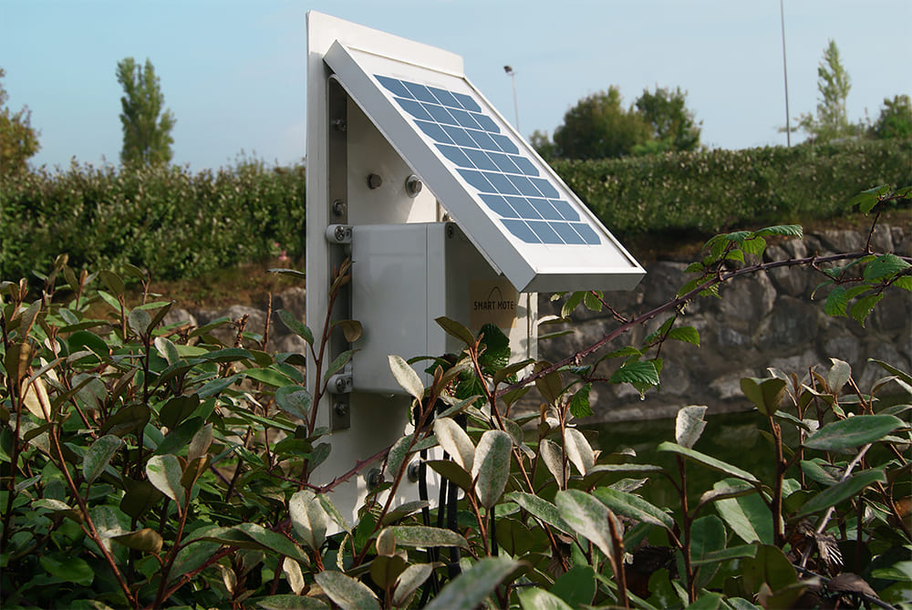 Box Mote with solar panel collecting and transmitting data