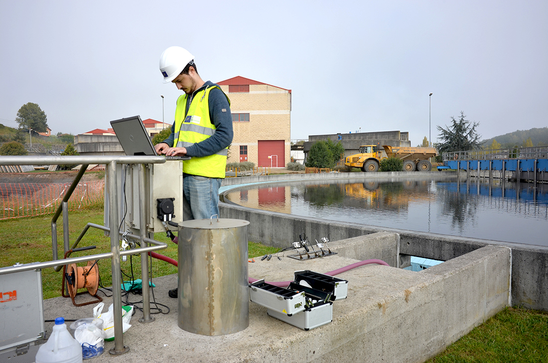 Water sensor calibrating works in the water treatment plant