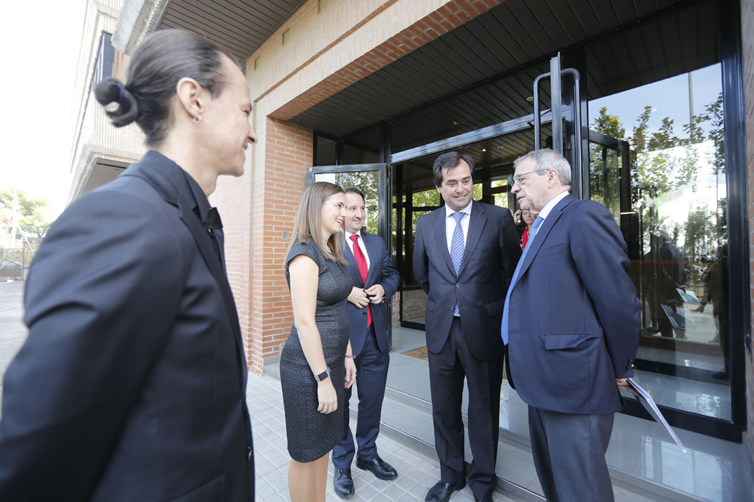 César Alierta, Ricardo Mur, Joé María García, David Gascón and Alicia Asín in Libelium headquarters
