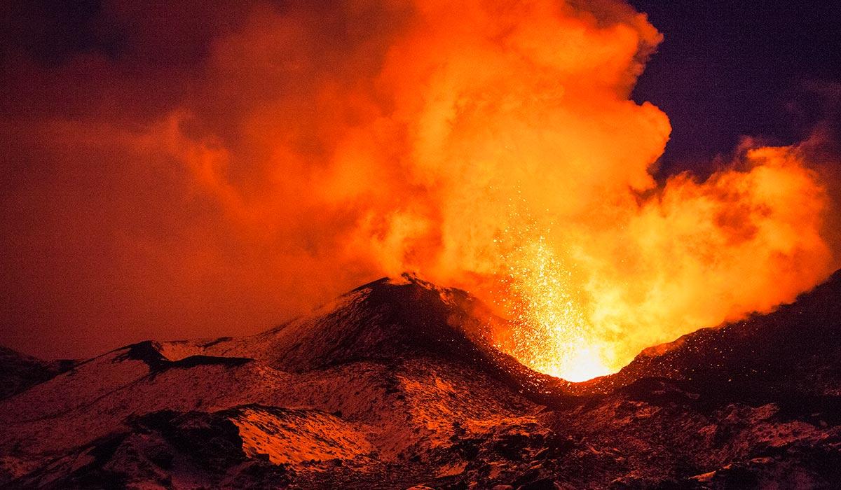 Predicting eruptions in the Masaya Volcano with wireless sensors