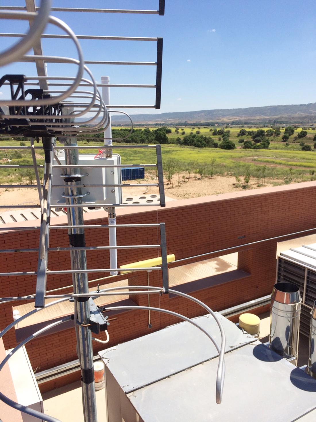 Meshlium IoT Gateway installed next to iMETland