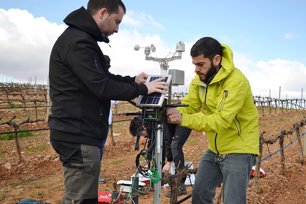 Installation of the Waspmote Plug & Sense! Smart Agriculture nodes