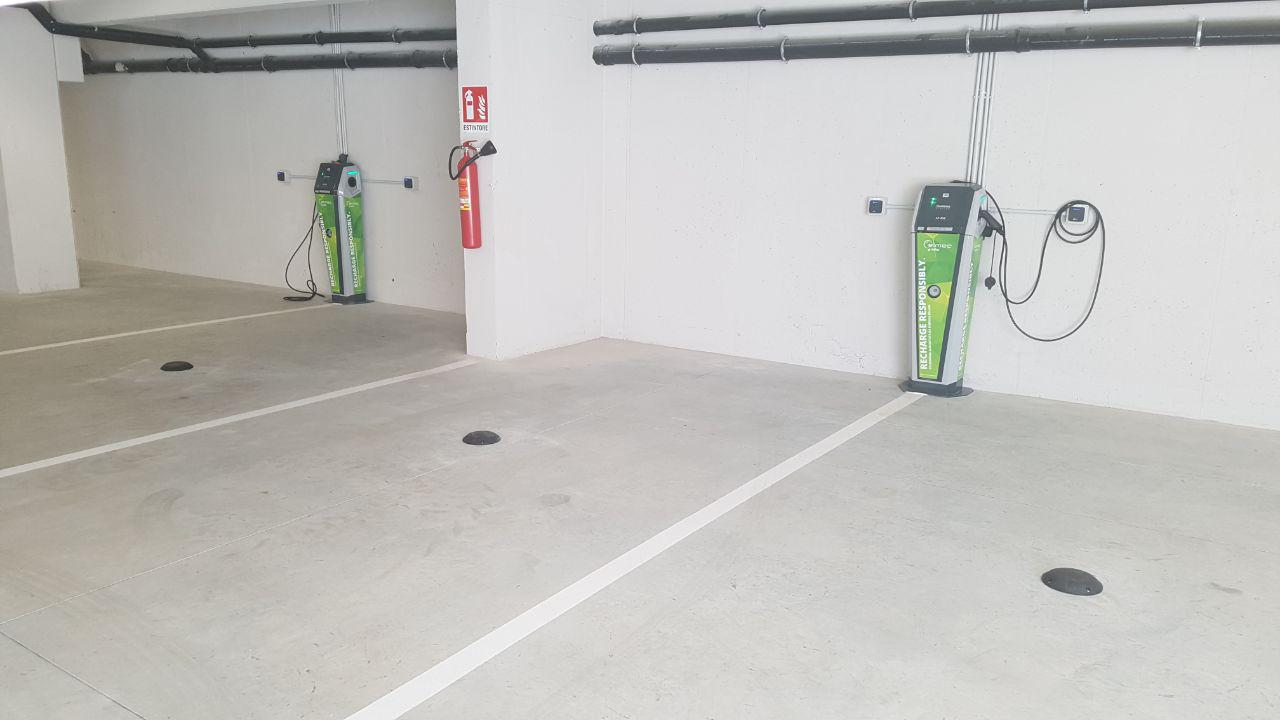 Automatized parking points for electric car