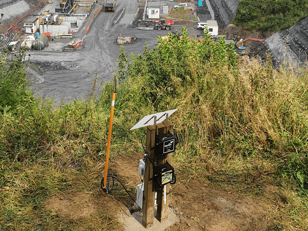 Environmental monitoring in the construction in a highway